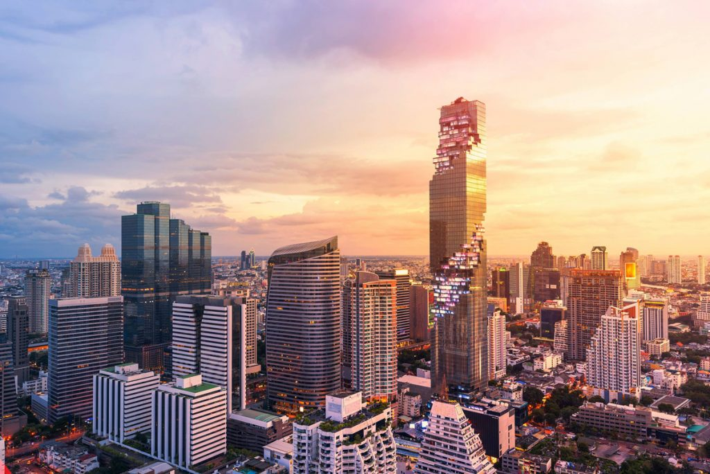 """""""มหานคร สกายวอล์ค"""" แลนด์มาร์คบนตึกที่สูงที่สุดในไทย"""