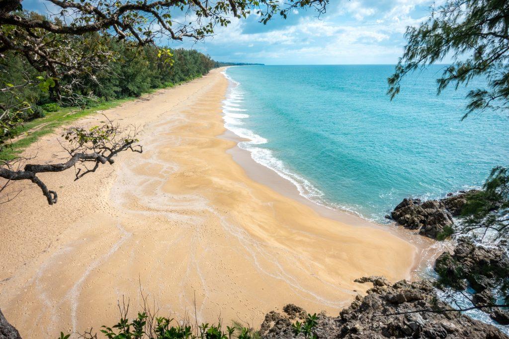 เกาะสวย ทะเลอันดามัน เกาะพระทอง